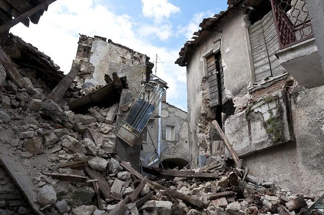 earthquake 1665870 6401 - Aplikasi Struktur Baja pada Daerah Rawan Gempa