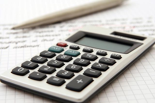 accountant 1238598 640 - Barisan dan Deret (Aritmatika) Beserta Contoh Soal