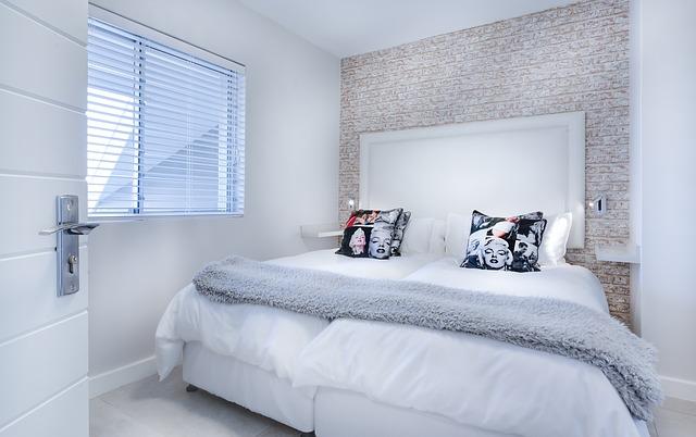 modern minimalist bedroom 3147893 640 1 - Ketahui Kelebihan dari Desain Rumah Minimalis 2 Lantai