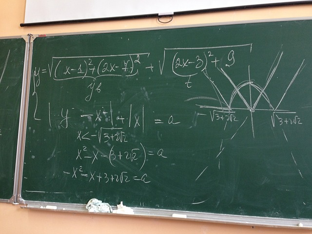 mathematics 878124 640 - Persamaan Linier