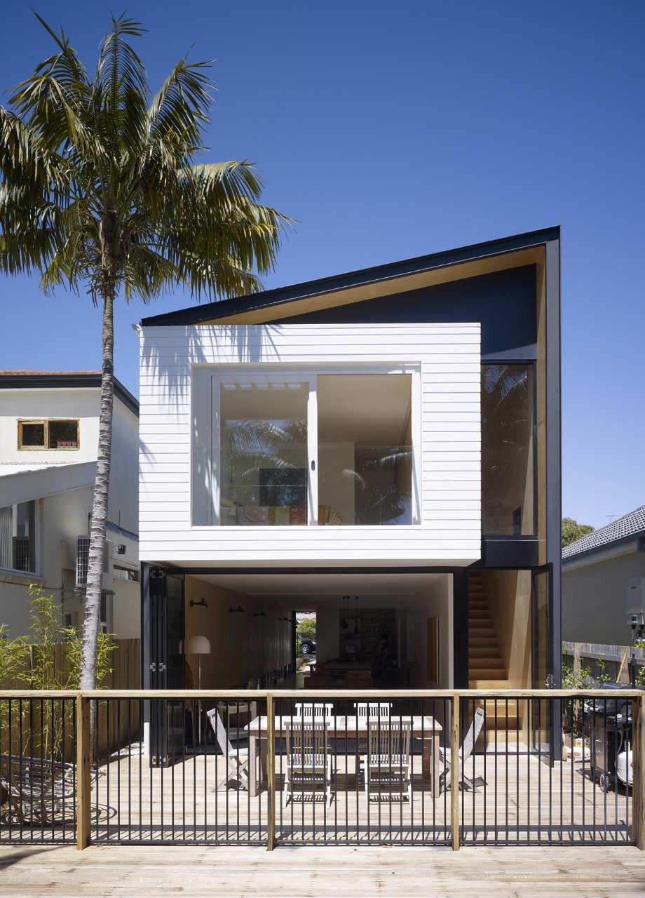 Desain Rumah 2 Lantai 4 1 - 8 Desain Rumah Lahan Sempit Dengan Dua Lantai yang Keren dan Minimalis