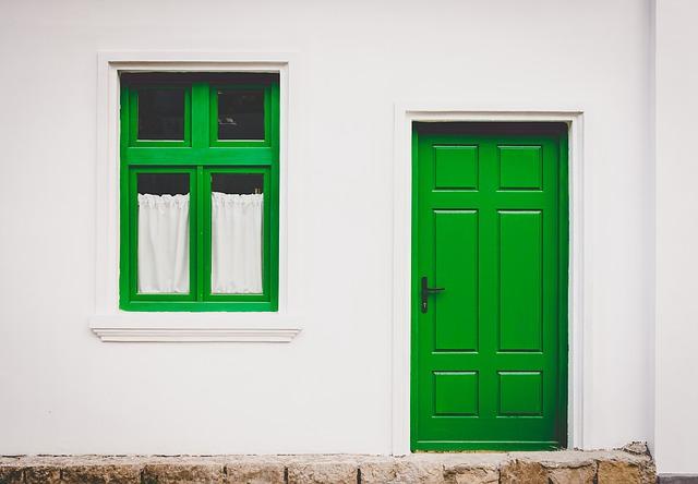 house 768707 640 1 - Ide Warna Cat Jendela yang Bagus untuk Dekorasi Rumah Elegan